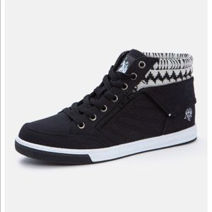 U.S. Polo Ass Mila Low Top Sneakers